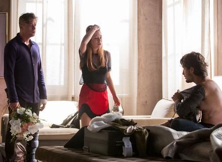 Arthur detona Eliza após flagrá-la com Rafael: 'Você me destruiu'