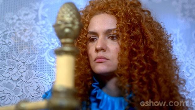 Gina fica mexida com beijo de Nando (Foto: Meu Pedacinho de Chão/TV Globo)
