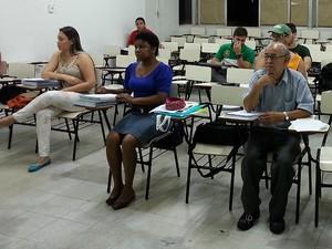 Nivaldo em curso preparatório para Enem em Juiz de Fora (Foto: Nathalie Guimarães/G1)