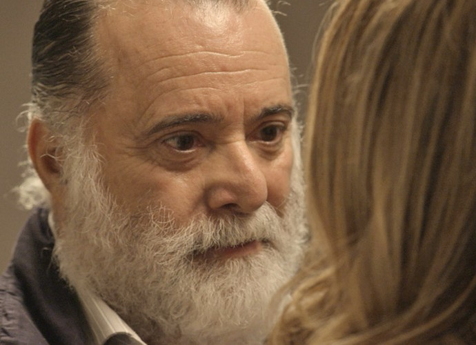 Zé Maria intimida Kiki (Foto: TV Globo)