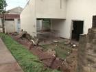 Chuva forte deixa casas e ruas alagadas em Paranavaí, no noroeste