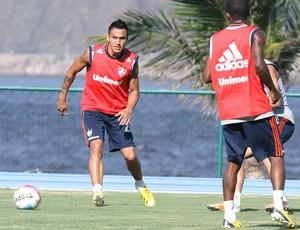 Monzón no treino do Fluminense (Foto: Ricardo Ayres / Photocamera)