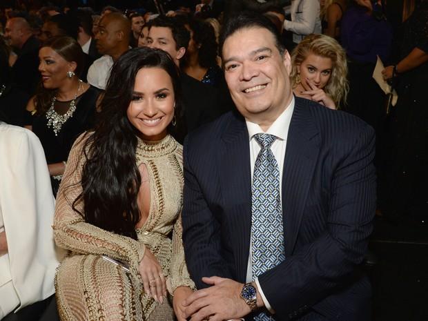 Demi levou o padrasto, Eddie, para acompanh-la no Grammy (Foto: Reproduo/Instagram)