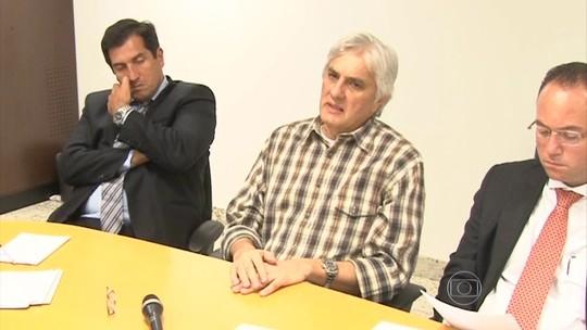 Delcídio do Amaral cita mais de 70 pessoas em delação premiada