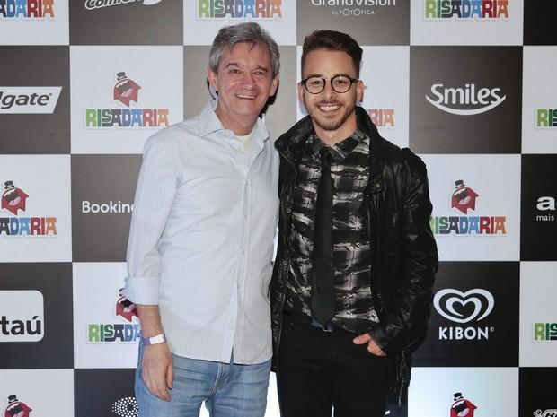 Serginho Groisman e Junior Lima em prêmio de humor em São Paulo (Foto: Rafael Cusato/ Brazil News)