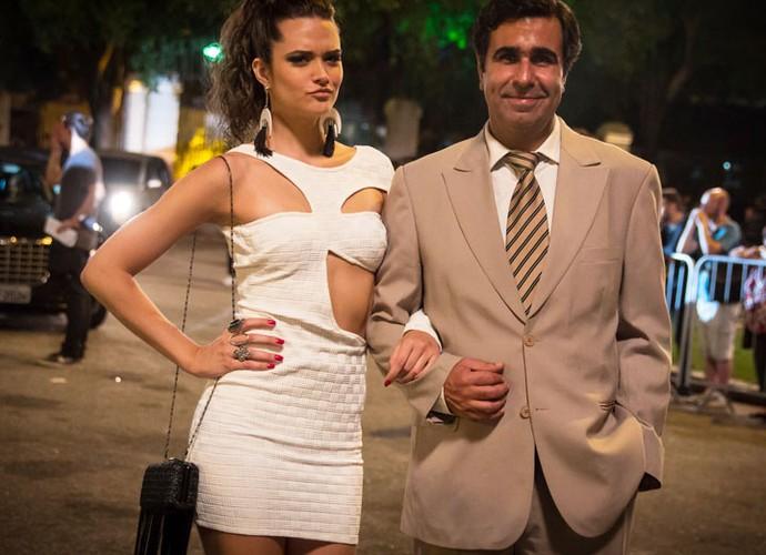 O ator grava ao lado de Juliana Paiva, que interpreta Cassandra (Foto: Pedro Curi/Globo)