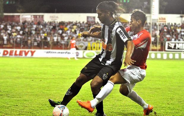 Ronaldinho Gaúcho jogo Atlético-MG América-TO  (Foto: Leonardo Morais / Ag. Estado)