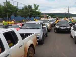 Manifestação teve início com carreata (Foto: Assessoria/Polícia Militar)