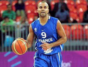 Tony Parker na partida de basquete da França (Foto: Getty Images)