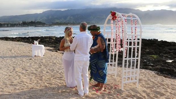Kadu Moliterno e Cristianne Rodriguez  (Foto: Hawaii Eco Weddings / MF Assessoria )