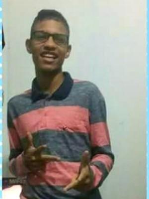 Marcos Victor tinha 16 anos e morreu horas após o crime (Foto: Arquivo Pessoal)