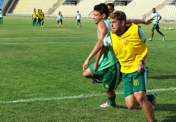 Robson Simplício quer dias melhores na temporada 2015 (Foto: Sampaio Corrêa/Divulgação)
