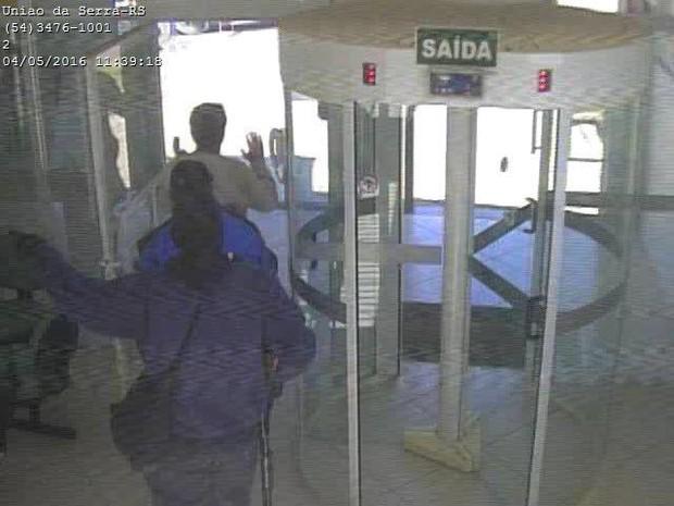 assalto banco União da Serra criminosos suspeitos assaltantes (Foto: Divulgação/Brigada Militar)