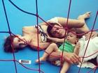 Fernanda Pontes descansa com a família após se esbaldar no pula-pula