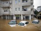 Inundações nos Bálcãs deixam pelo menos 25 mortos
