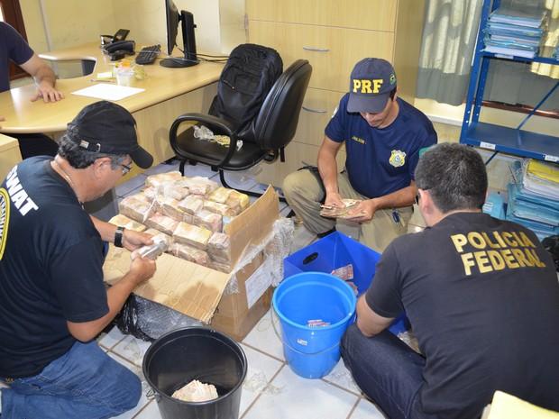 Montante está sendo contabilizado pela Polícia Federal nesta segunda (Foto: Adonias Silva/G1)