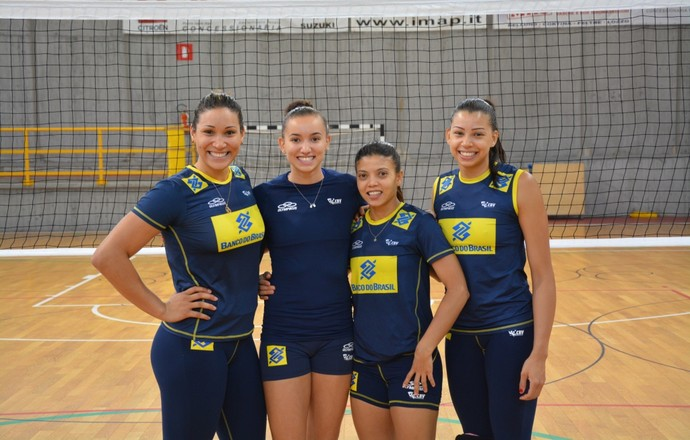 Tandara, Gabi, Léia Carol seleção brasileira vôlei Mundial (Foto: Divulgação/CBV)