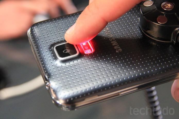 Sensor da câmera do novo Galaxy S5, da Samsung (Foto: Isadora Díaz/TechTudo)