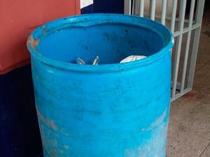 Detento se escondeu em lixeira durante o café da manhã no Presídio Raimundo Nonato (Foto: Divulgação/Coape)