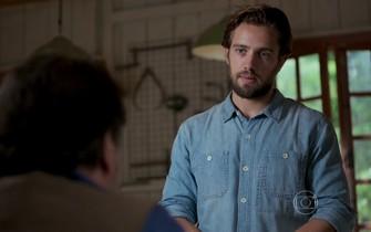 Felipe conversa com Massimo sobre a hipoteca da casa