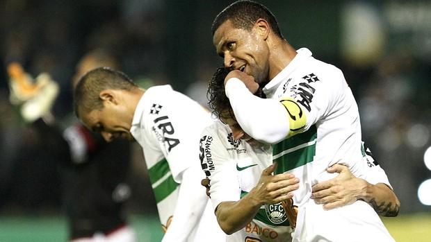 Pereira, Coritiba x Atlético-GO (Foto: Geraldo Bubniak / Agência Estado)