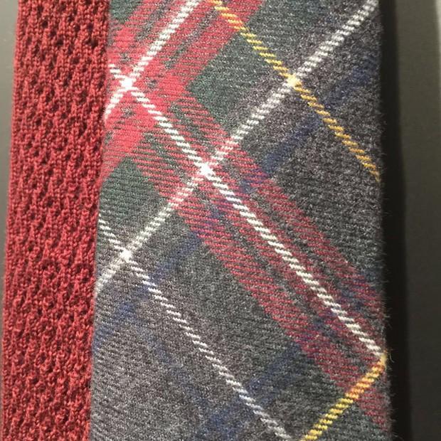 Gravata tartan de Thomas Mason (Foto: Fabrizio Rollo)