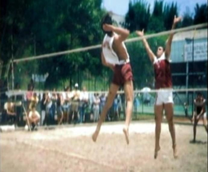 Rodrigo Lombardi jogando vôlei ainda na adolescência (Foto: Arquivo pessoal)