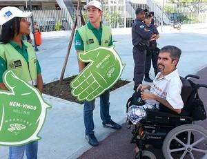 cadeirante maracanã brasil e inglaterra (Foto: Marcelo Baltar)