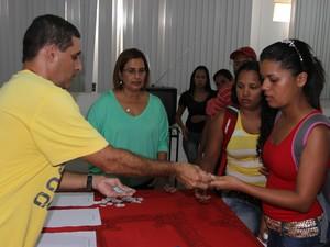 A distribuição das fichas de matrícula será realizada na próxima sexta-feira (19). (Foto: Valdir Rocha/SEE)