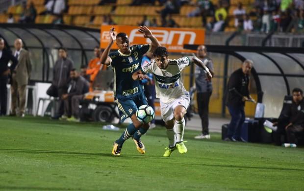 Henrique Almeida titular novamente do Coritiba, contra o Palmeiras