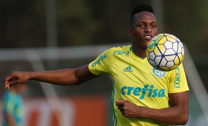 Yerry Mina Treino Palmeiras (Foto: Cesar Greco/Ag Palmeiras/Divulgação)