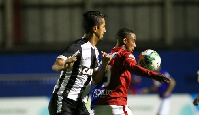 paraná x figueirense primeira liga (Foto: Daniel Castellano/Gazeta do Povo)
