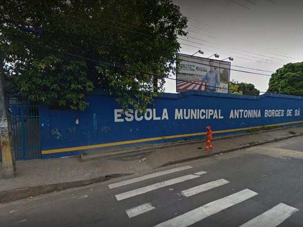 Escola fica localizada no bairro São José, em Manaus (Foto: Reprodução/Google Earth)