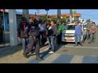 Taxistas protestam contra transporte irregular em São Pedro da Aldeia, RJ