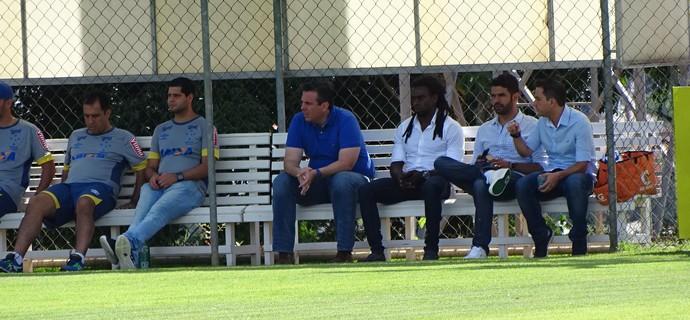 Comissão técnica do Cruzeiro (Foto: Ana Laura Bernardes)