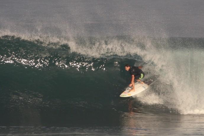 Adriano de Souza Mineirinho treino Pipeline surfe (Foto: Leandro Dora/AprimoreSurf/Divulgação)