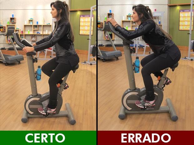 Na bicicleta, o mais importante é ter o banco ajustado, para não tensionar a coluna; a educadora física Luciana Brait ensina (Foto: Mariana Palma/G1)