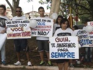 G1 Protesto é Por Justiça E Paz Diz Mãe De Jovem Que Morreu