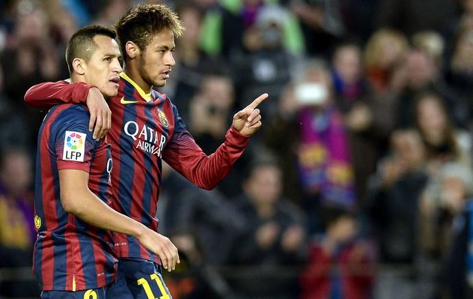 Alexis Sanchez e Neymar comemoração gol Barcelona e Granada (Foto: AFP)