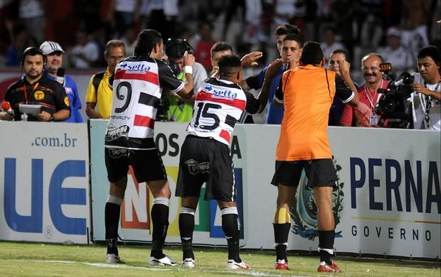 Carlinhos Bala, Dênis Marques e Flávio Caça-Rato - Santa Cruz (Foto: Aldo Carneiro)
