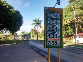 Posto de combustível na Asa Norte (Foto: Isabella Calzolari/G1)