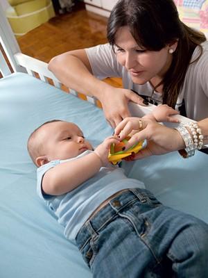 Giovanna foi informada na gravidez que o filho poderia ter Down, mas Luigi, 6 meses, nasceu sem a síndrome (Foto: Raoni Maddalena / Editora Globo)