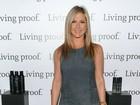 Jennifer Aniston não convida a mãe novamente para casamento, diz site