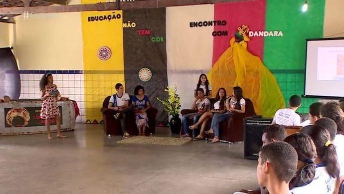 """Professora sergipana cria o programa """"Encontro com Dandara"""" (Foto: Reprodução / TV Globo)"""