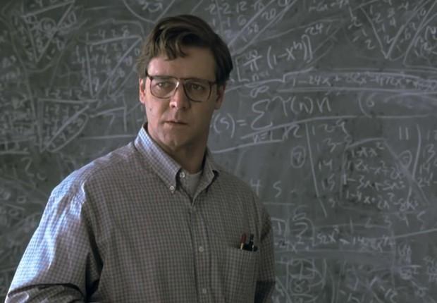 Russell Crowe é o destaque em Uma Mente Brilhante (Foto: Divulgação)