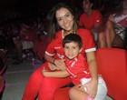 Pais mostram história do Inter aos seus filhos (Paula Menezes/Globoesporte.com)