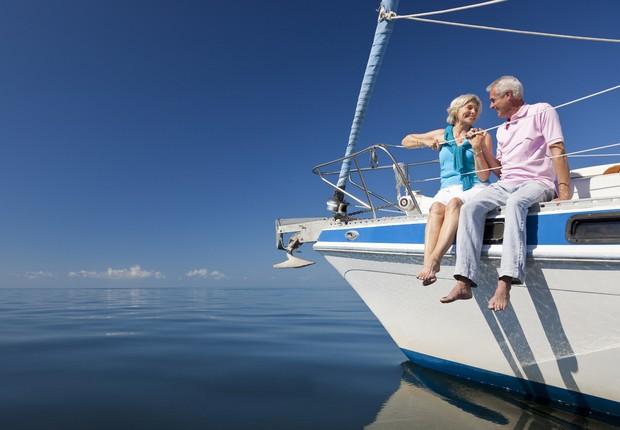 idosos felizes, aposentadoria, barco, casal (Foto: Thinkstock)