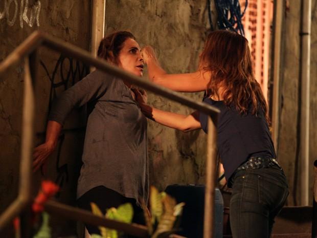 Lucimar leva a melhor em cima de Wanda (Foto: Salve Jorge/TV Globo)