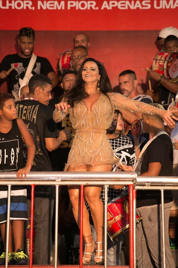 VIviane Araújo na quadra do Salgueiro (Foto: Alex Nunes/Divulgação)