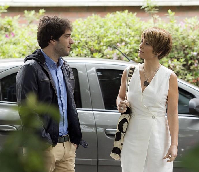 Helô fala de Isabela com Tiago (Foto: Raphael Dias/Gshow)